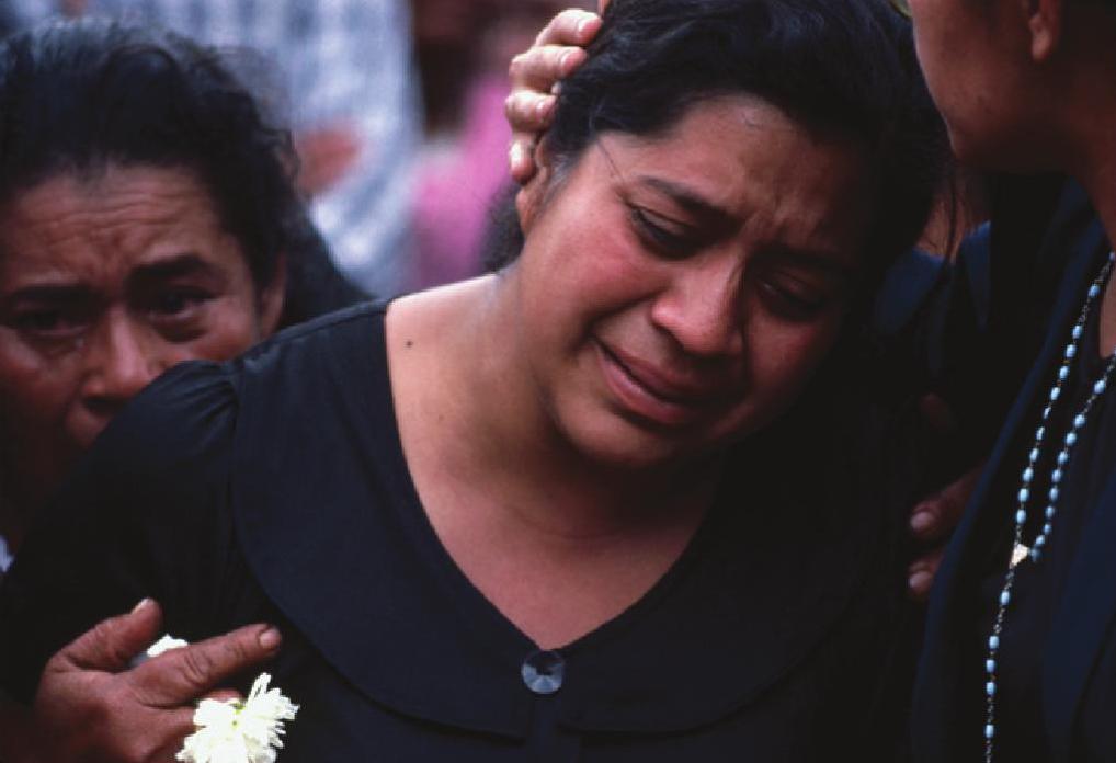 03_Mercedes_de_Gómez_Viuda_de_Héctor_Gómez_Calito_en_una_manifestación_en_Guatemala_Ciudad en el año 1985_JMS