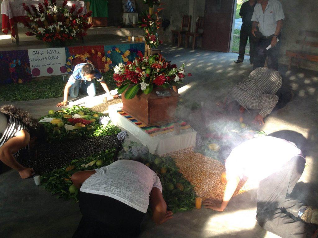 Inhumación de Sara Velasquez, desaparecida desde año 1988