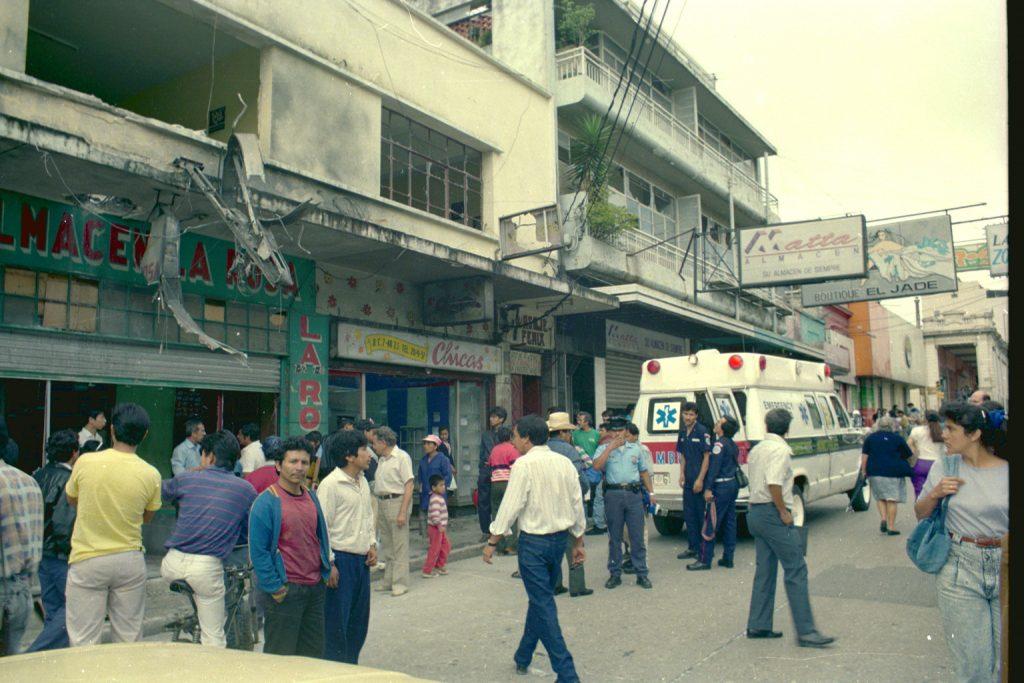 04_El 9 de octubre 1993 lanzaron una bomba en el sede de GAM en la zona_1 en el Centro Histórico_RV__
